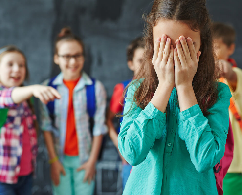 Children are vulnerable to peer pressure but parents can help them learn to cope.